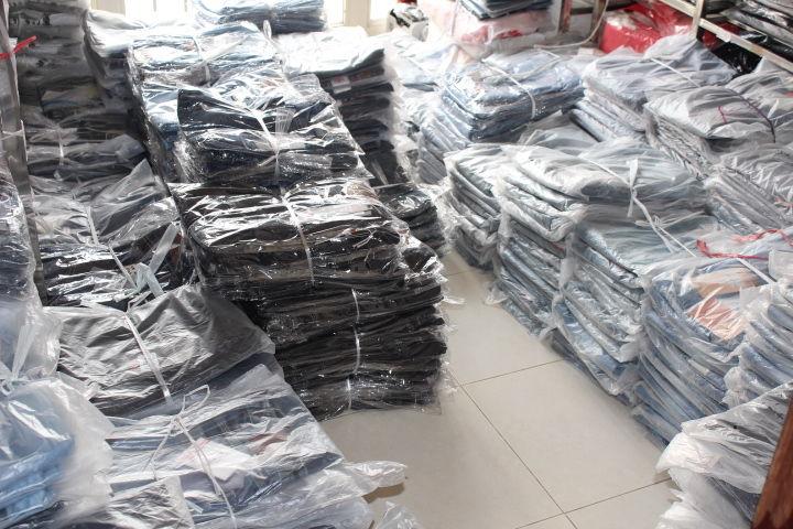BÁn buôn quần áo giá rẻ